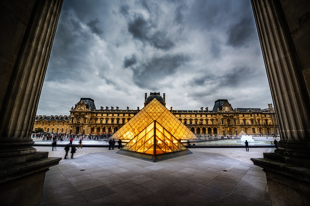 The Glowing Louvre