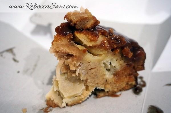 Swich Cafe - Publika - banana cake, apple cake and avocado cake-010