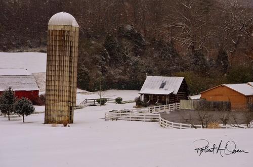 Silo-house-snow