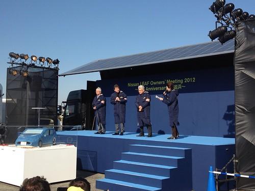 左から門田CVE、渡部ゼロエミッション事業本部執行役員、阿部CPS 日産リーフオーナーイベントにて