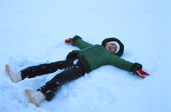 snowboarding(0.0), winter sport(0.0), freestyle skiing(0.0), sports(0.0), snowboard(0.0), extreme sport(0.0), downhill(0.0), snow angel(1.0), snow(1.0),