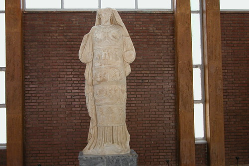 Espectacular y muy detallada escultura de Afrodita del museo que se encuentra en el propio recinto. Aphrodisias y la diosa griega del amor - 8271881731 21352cc043 - Aphrodisias y la diosa griega del amor