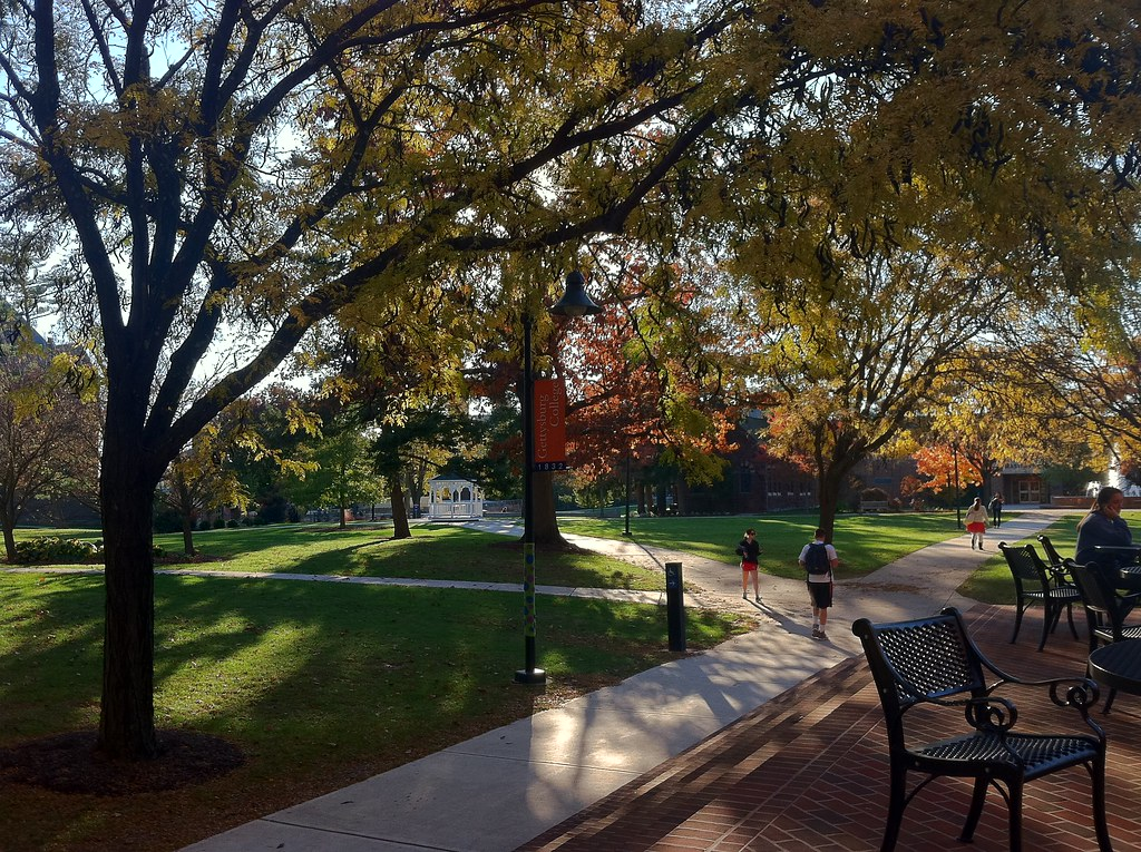 Gettysburg's campus offers easy access to three major metropolitan areas: Harrisburg (45 minutes), Baltimore (60 minutes), and Washington (80 minutes).