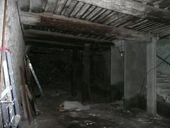 barn(0.0), air-raid shelter(1.0),