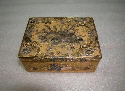 012-Caja de tabaco de oro-anónima 1750- Rijksmuseum