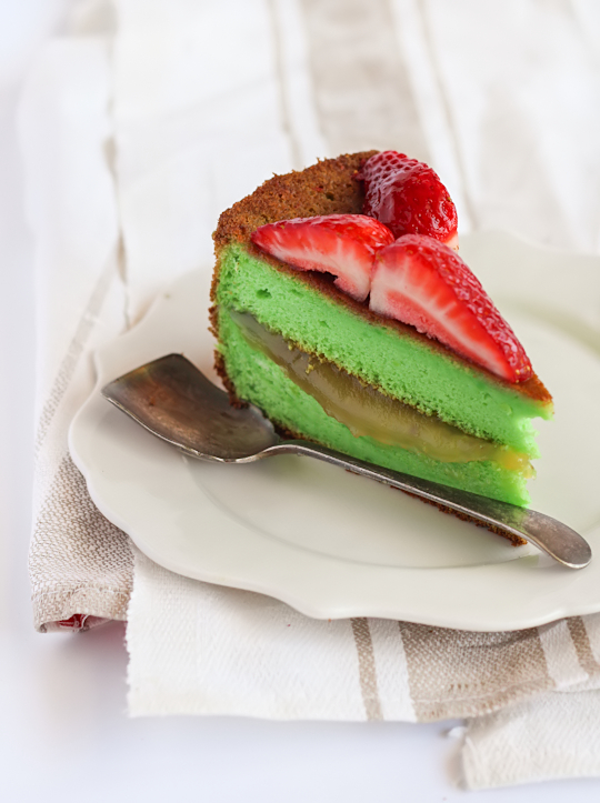 Pandan Cotton Soft Cheesecake with Kaya