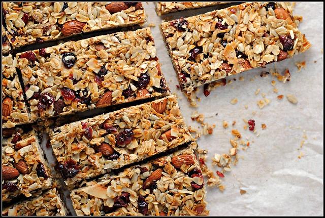 cherryalmondgranolabars1