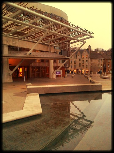 Exploring Edinburghs Holyrood