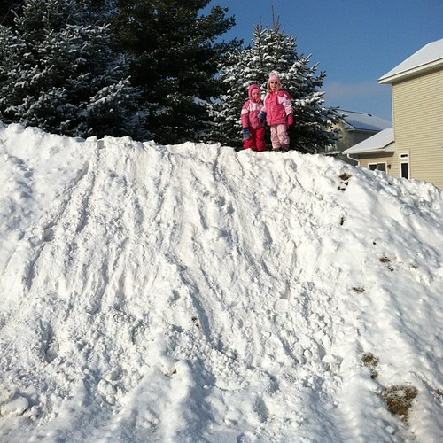 Queens of the snowbank!