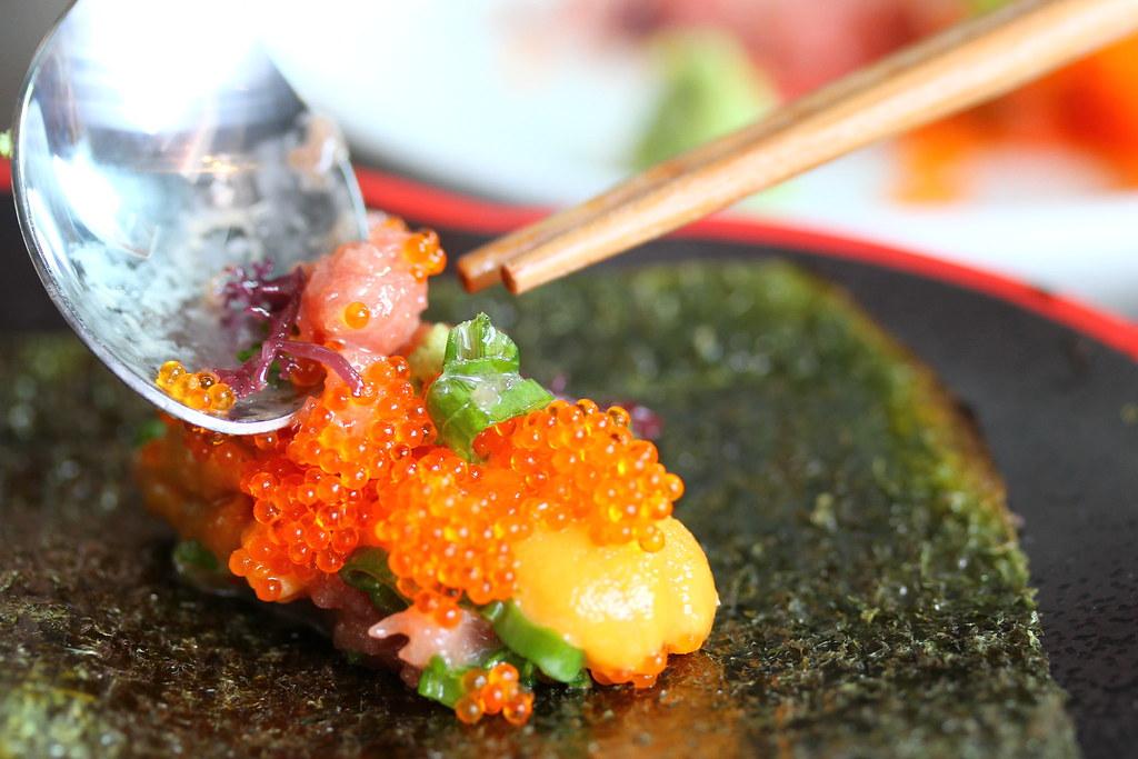 The result of Sushi Airways Sushi Bar's DIY Negi Tori Roll