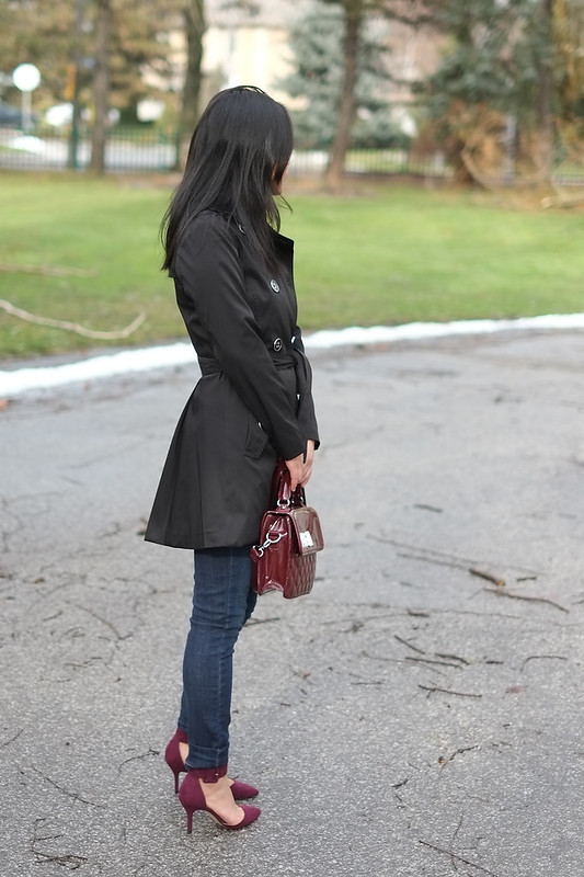 Banana Republic navy trench coat, Khols quilted crossbody, Zara burgundy heels