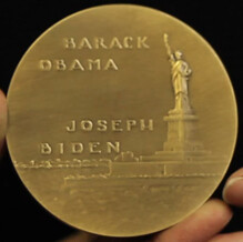 Kann Obama-Biden medal reverse