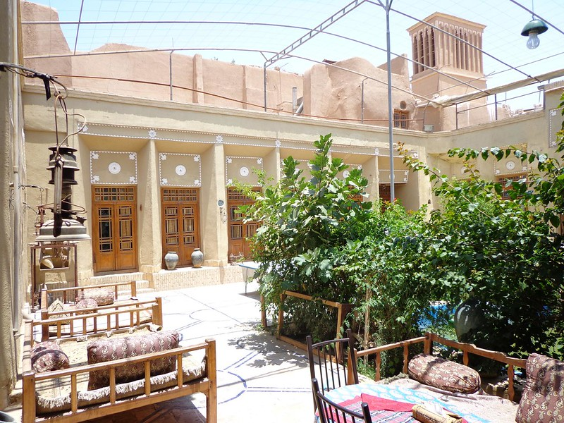 Pátio central do Silk Road Hotel em Yazd