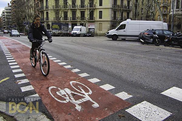de bicicleta em Barcelona