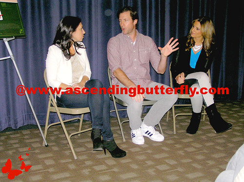 The Moms intro Ed Burns Fitzgerald Family Christmas Mamarazzi 04 WATERMARKED