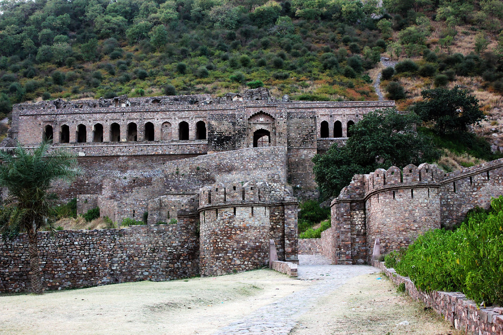 Bhangarh Fort - World top most Haunted Place