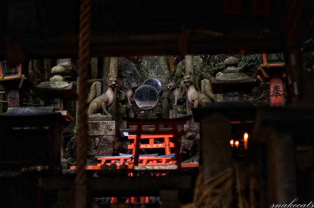 「鏡」 伏見稲荷 - 京都