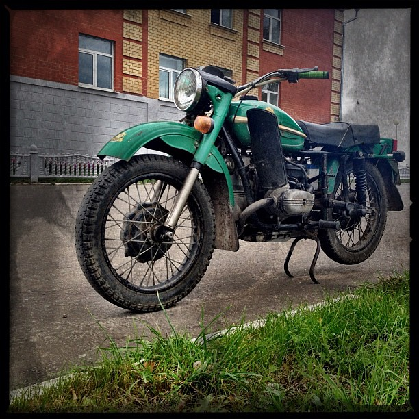 Oldschool '79 #ural #motorcycle #true #grass...