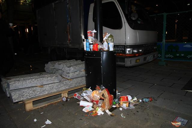 2013台北市跨年晚會垃圾-2-201212312323-賴鵬智攝