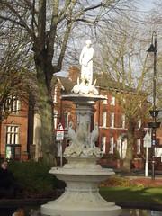 Church Green, Redditch - fountain and statue