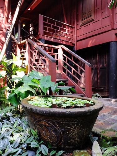 Casa y jardín tradicional en Bangkok