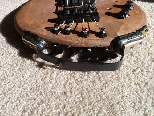 Headless Bass 1