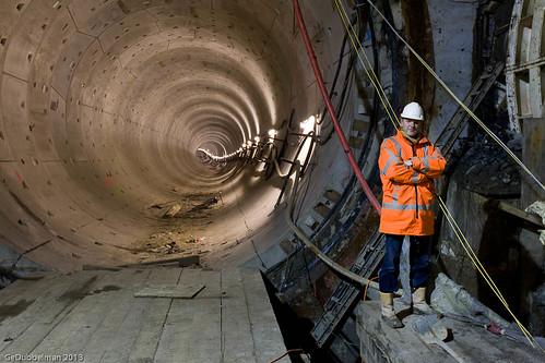 Toezichthouder Bert Toeter voor geboorde tunnel richting Rokin