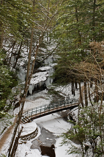 Old Man's Cave: Snow and ice