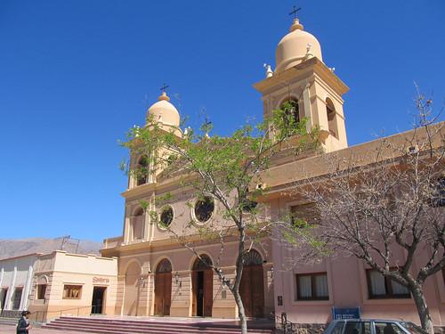 Cafayate: la Plaza San Martín et sa cathédrale Nuestra Señora del Rosario