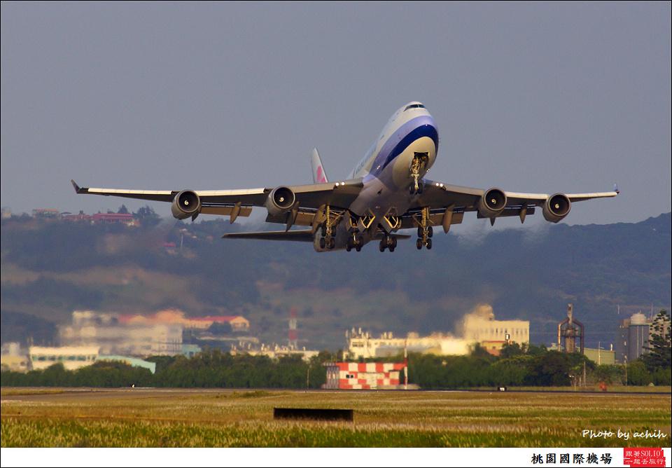 中華航空B-18709貨機009