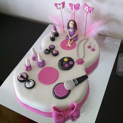#8cake#makeupcake by l'atelier de ronitte