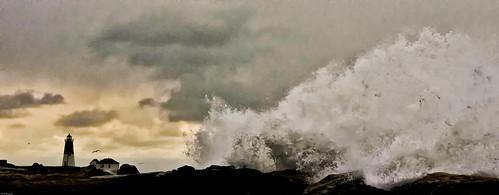 winter storm by enjoiskate8 via I {heart} Rhody