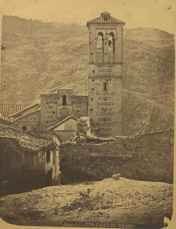 Iglesia de San Sebastián hacia 1875. Fotografía de Casiano Alguacil © Museo del Traje. Centro de Investigación del Patrimonio Etnológico. Ministerio de Educación, Cultura y Deporte