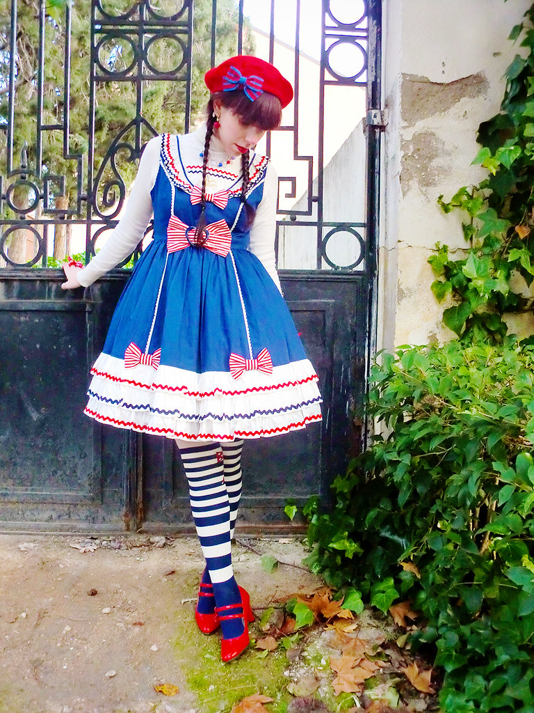 Sailor Lolita: Angelic Pretty Frill Marine OP