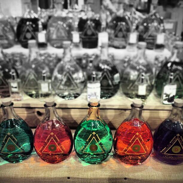 Bottles. #igermorgan #igfamous #igersvalencia #instacanv #statigram #shootermag #c0m #viejuno #diana #flickr #pinterest #picoftheday #fotodeldia #goodweekend #paqueloveáis #photoshop #effects #movilgrafias #ckckcklive #juerquécoñazo #jodioshastags #alesac
