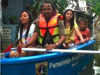 bantuan banjir sunda kelapa heritage