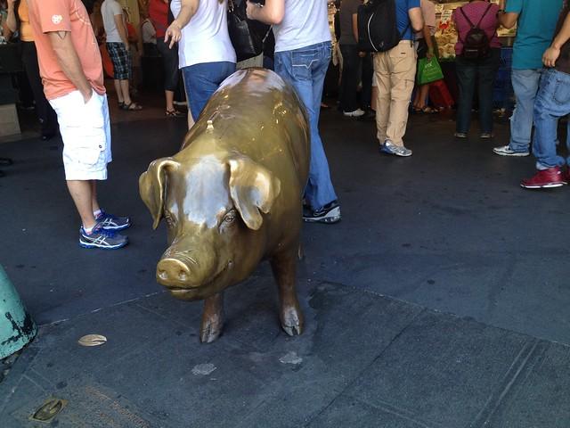 Rachel the bronze pig