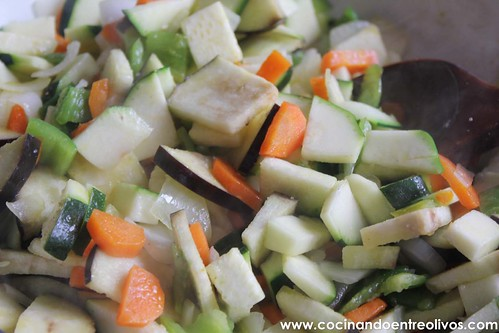 Pechuga de pollo en hojaldre con salsa de pistachos (7)
