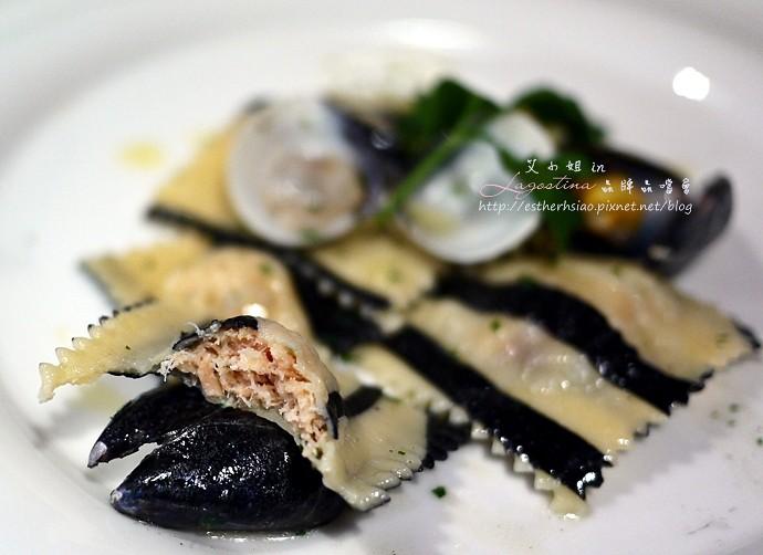 22 雙色義大利餃鑲鮭魚