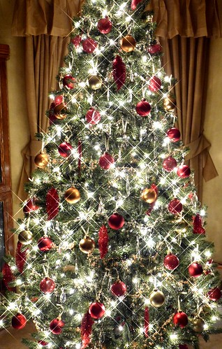 ChristmasTree by emokidsloveme