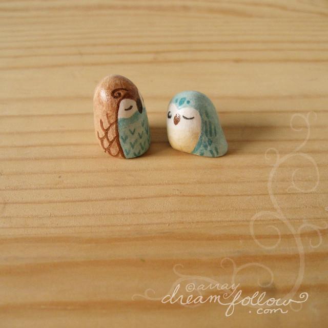 2 tiny owlets