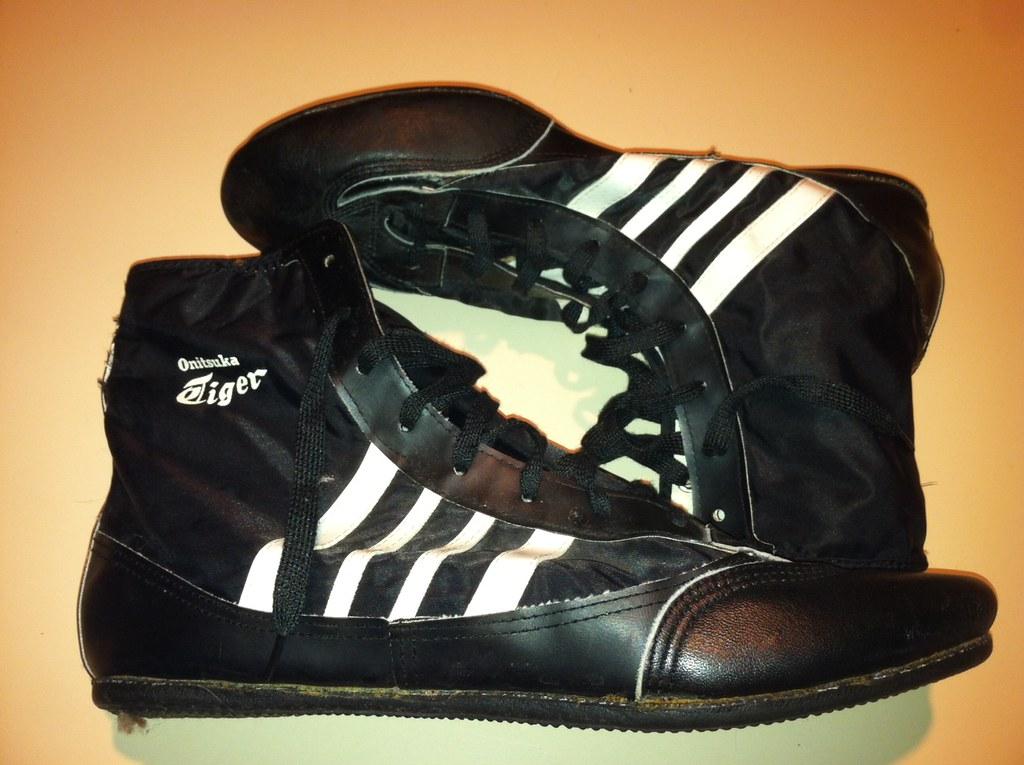 vintage asics tiger wrestling shoes