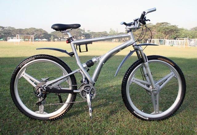 Mercedes benz bike flickr photo sharing for Mercedes benz bike