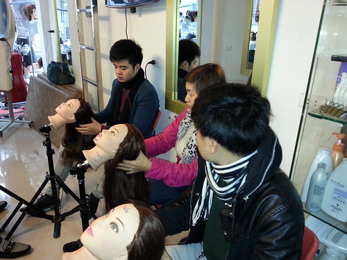 Dạy nghề tạo mẫu tóc chuyên nghiệp Học viện Korigami Hà Nội 0915804875 (www.korigami (54)