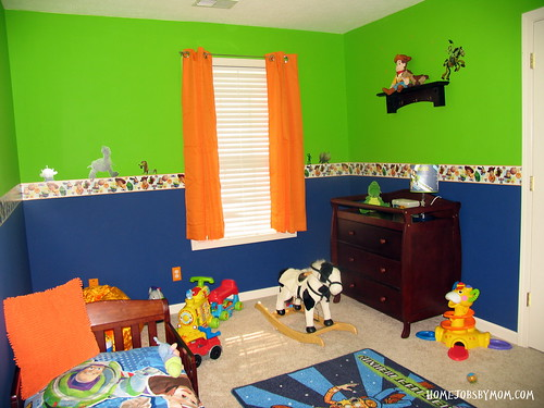8445552355 9413f3bf38 Toy Story Room Decor and Paint Ideas