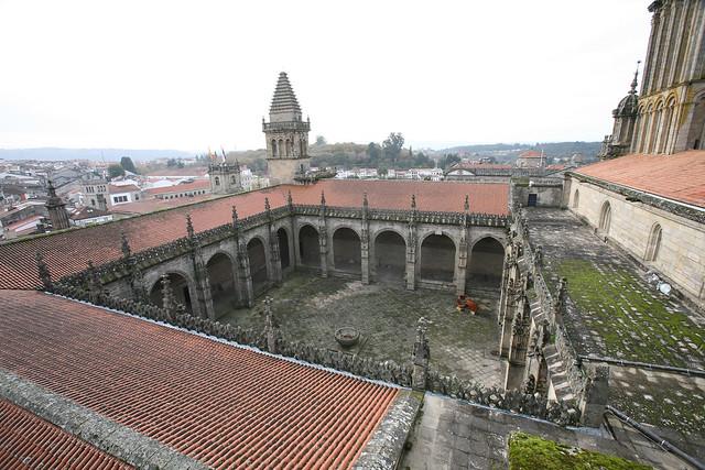 Visita guiada por los tejados de la catedral de santiago for Tejados galicia