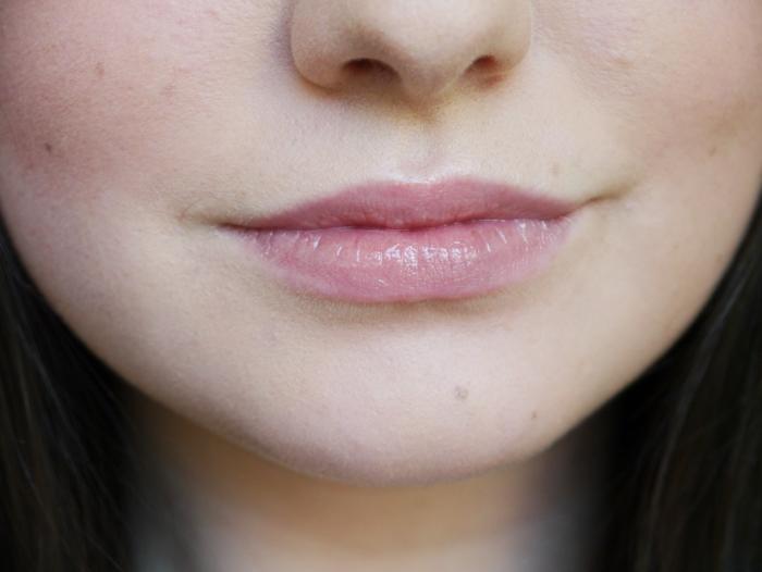 17 beehive mirror shine lipstick 5