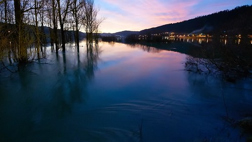 sunset river twilight flooding sundown dusk overflow overflowing sundowner snowmelt meltingsnow doubs morteau wateroverflow fontedesneiges snowmelts riverdoubs