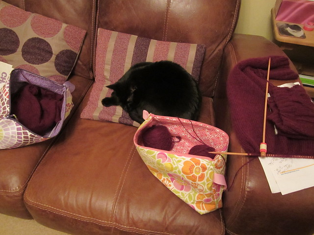 guardian of the mink and cashmere yarn (2)