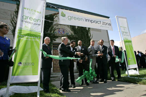 federal officials join Rep. Emanuel Cleaver in launching the Green Impact Zone in 2009 (courtesy of US DOT)